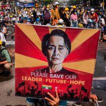 Birmania: seis manifestantes muertos y seis periodistas acusados por sus coberturas