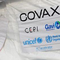 Presidente de Ghana recibe primera vacuna COVAX en el mundo