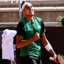 Alejandro Tabilo logra destacado triunfo y se enfrentará a Garín en los octavos de final del ATP de Santiago