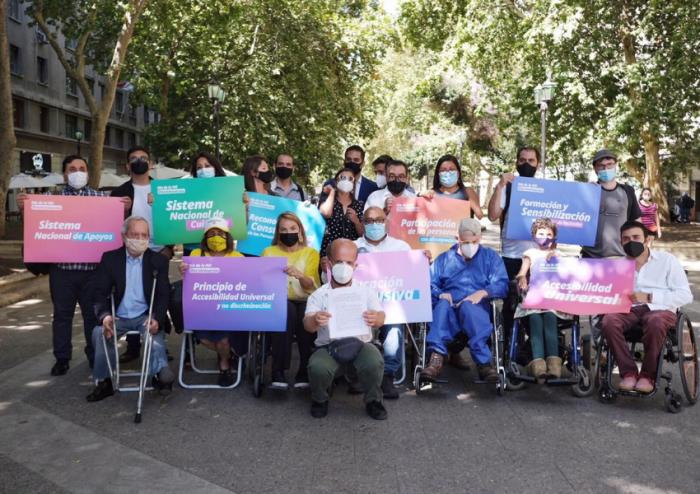 Día de la No Discriminación: candidatos con discapacidad firman decálogo de derechos a defender en la nueva Constitución