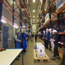 Nuevo cargamento con 200 mil vacunas de Pfizer llegó este jueves a Chile