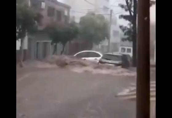 Diversas provincias de Argentina comienzan marzo con alerta naranja por fuertes lluvias que han dejado impactantes inundaciones