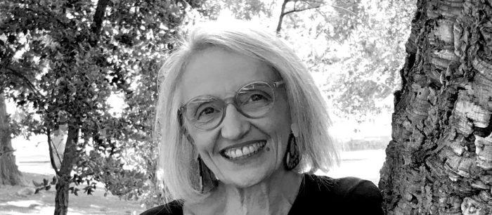 """""""Cultivar la lectura en familia"""": el nuevo libro de Constanza Mekis para ayudar a los padres a promover el gusto por leer"""