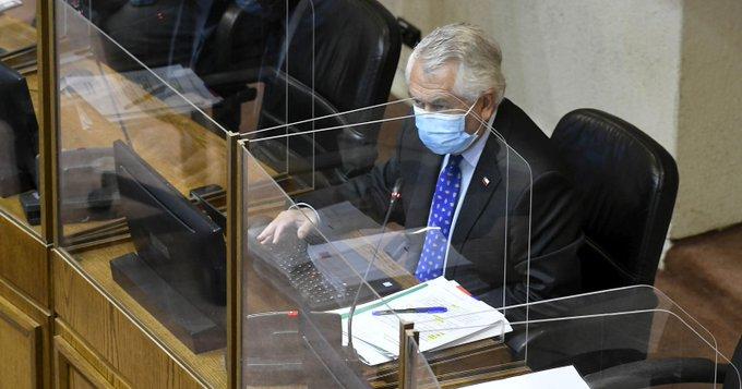 Ministro de Salud con el agua hasta el cuello: las razones del irritable señor Paris