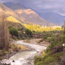 Investigación revela la urgencia de restaurar la cuenca del río Maipo debido a la saturación industrial