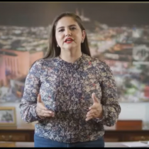 Alcaldesa mexicana se declara feminista y trata de