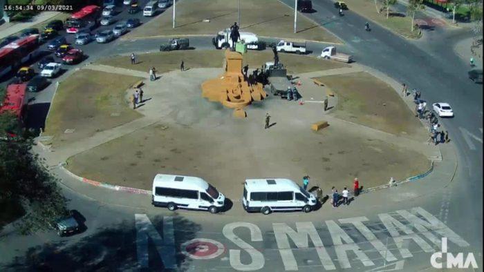 Consejo de Monumentos Nacionales realiza inspecciones a la estatua de Baquedano y evaluará traslado