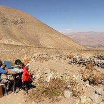 La historia de los dos hermanos que escalaban cerro en Región de Coquimbo para conectarse a clases online da la vuelta al mundo