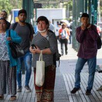 BBC: las duras críticas al sistema de ayudas sociales en Chile para hacer frente a la pandemia