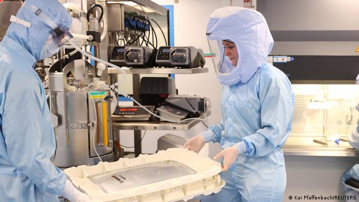 Alemania planea ampliar la producción de vacunas contra COVID-19