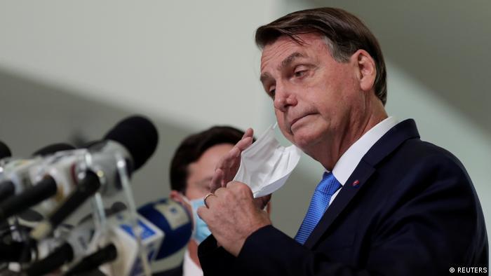 Bolsonaro ironizó en Twitter sobre las medidas anunciadas por Fernández