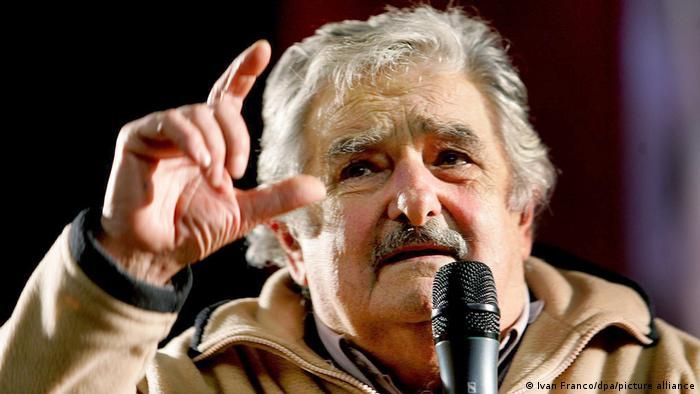 José Mujica se recupera tras ser operado de urgencia