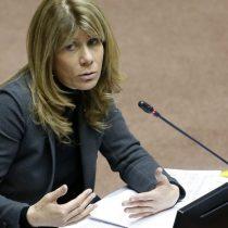 Dichos de las FF.AA. sobre parodia: Ximena Rincón (DC) solicita respaldo del Senado en denuncia de La Red ante la CIDH