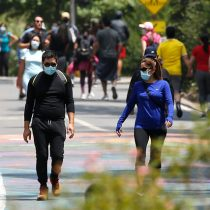 """Fiscalizaciones en franja """"Elige vivir sano"""" dejan cinco detenidos en el Parque Metropolitano este domingo"""