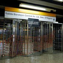 """""""No son torniquetes"""": Metro explica criticada instalación en Los Héroes y aclara que corresponde a """"puertas giratorias de salida"""""""