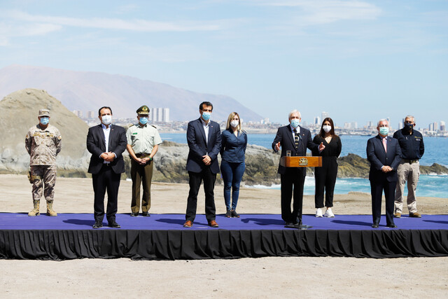 Piñera promulga polémica ley migratoria que busca facilitar las deportaciones