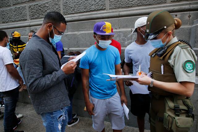 Cerca de 600 inmigrantes se reúnen en Plaza de Armas para pedir al Gobierno regularizar situación migratoria