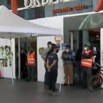 Supermercado de Puente Alto es clausurado por brote de covid-19: ayer se cerró otro en La Cisterna