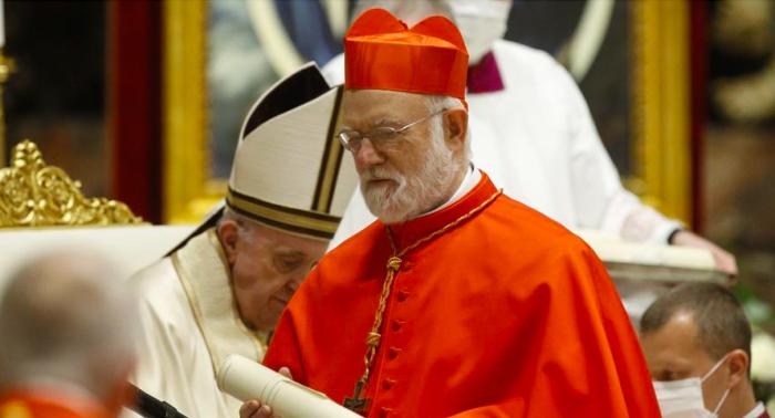 Arzobispo de Santiago Celestino Aós es hospitalizado por Covid-19