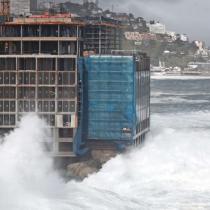 Corte Suprema declara ilegal las obras en la roca oceánica y reitera que Hotel Punta Piqueros no cuenta con permiso de edificación