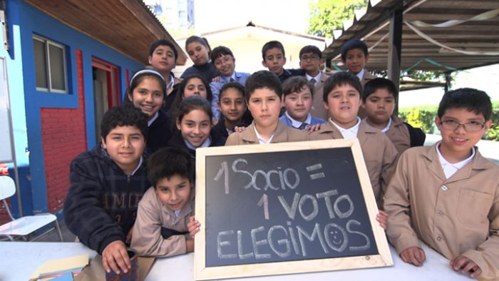 Fundación Coopeuch lanza concurso para crear cooperativas escolares en  liceos técnicos de todo el país