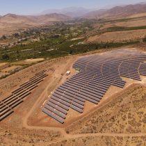 Chile se abre paso en materia de energías renovables frente a alarmante informe ambiente