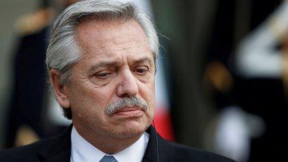 Fernández ratifica cierre de escuelas en Buenos Aires tras rechazo de alcalde opositor