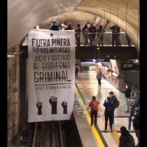 Aces realizó manifestación en Metro Plaza Egaña en apoyo a la huelga general sanitaria del 30 de abril convocada por la CUT