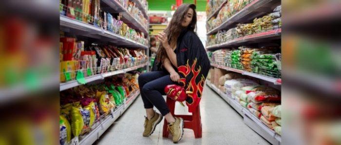 """La rapera chilena RVYO sobre feminismo y la industria musical: """"las mujeres venimos subiendo de una manera colosal»"""