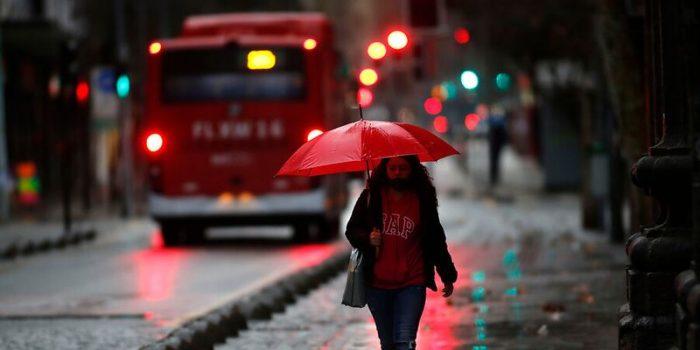 Onemi establece alerta temprana preventiva para toda la RM ante pronóstico de lluvias y posibles tormentas eléctricas
