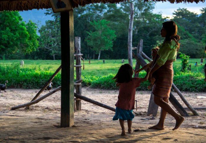 Las desigualdades se perpetúan para las mujeres indígenas en América Latina