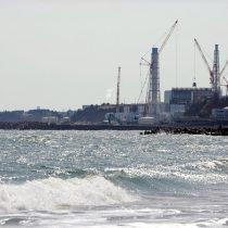 Japón decide verter al Océano Pacífico el agua procesada de la central de Fukushima