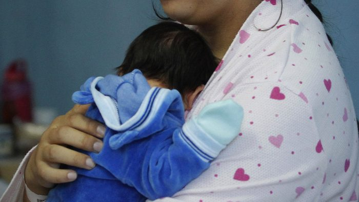 Pasa a ley: Congreso aprueba proyecto que permite anteceder apellido materno en hijas e hijos