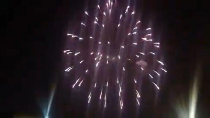 Reportan fuegos artificiales en distintos puntos del país en el marco del aniversario 96 de Colo Colo