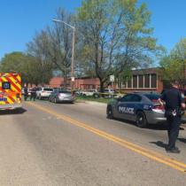 Al menos un muerto y un herido en tiroteo en escuela de EE.UU.