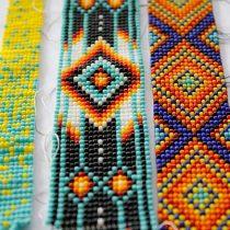 Taller de tejido de mostacillas en Museo Violeta Parra