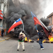Portuarios inician paro por envío del tercer retiro al TC: incidentes en Valparaíso y San Antonio