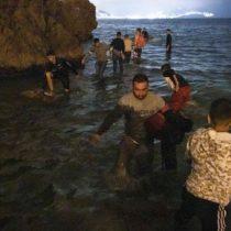 Ceuta: 4 claves que explican la llegada récord de miles de migrantes desde Marruecos a España en las últimas horas