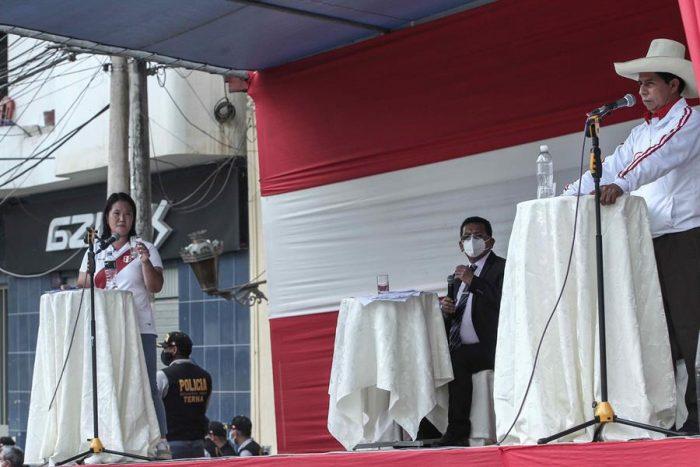 Pedro Castillo y Keiko Fujimori intercambian populismo en su primer debate del balotaje en Perú