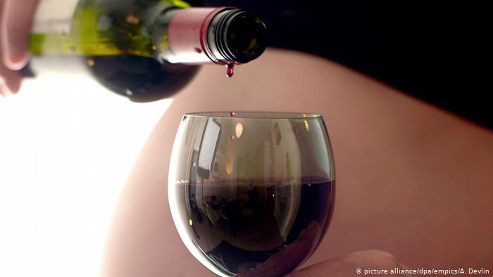 No importa la cantidad: el alcohol puede generar un daño al cerebro, según estudio