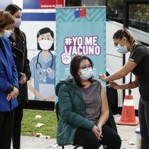 Minsal instala vacunatorios móviles contra el coronavirus en zonas con alta densidad de trabajadores
