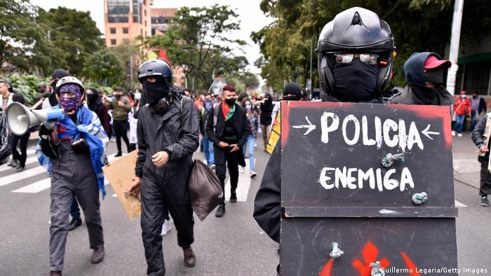 Colombia: Duque ofrece revisar polémica reforma tributaria tras protestas