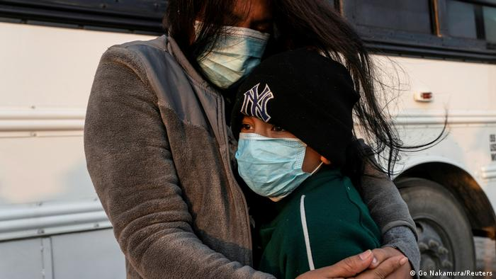 Estados Unidos comenzará a reunir a las familias de migrantes separadas