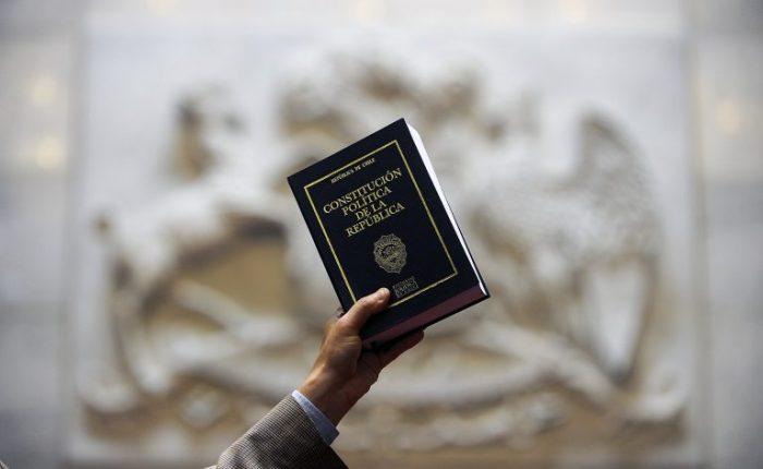 Una nueva Constitución política y jurídica, ¿es cosa de abogados?