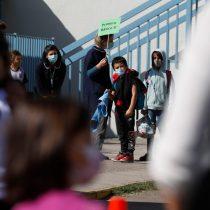 Coordinadora de padres y apoderados se lanzan con todo contra el ministro Figueroa por insistencia en regreso a clases presenciales: