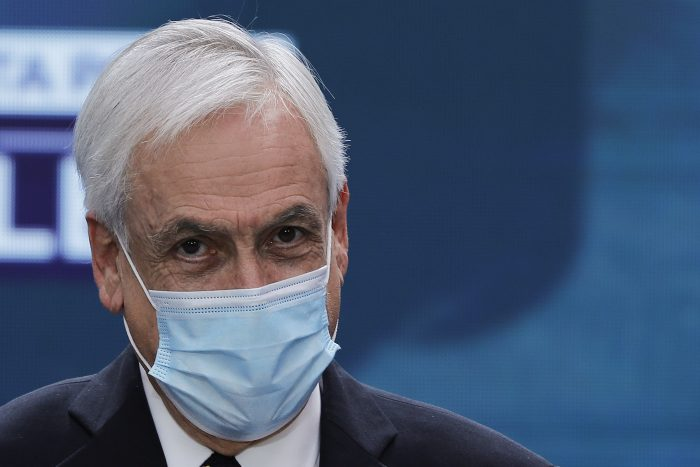 Presidente Piñera llama a votar en histórica jornada: