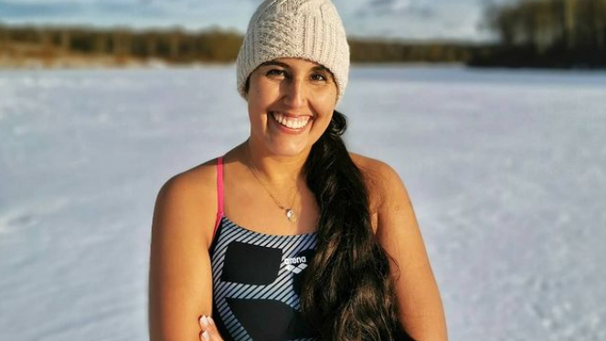 Incluso fue picada por una medusa: nadadora Bárbara Hernández es la primera sudamericana en cruzar el Canal Molokai