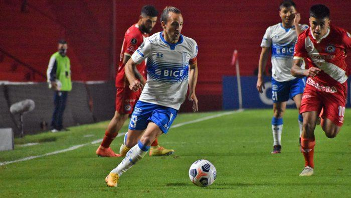 U. Católica gana por el mínimo en la Copa Libertadores y Huachipato triunfa en la Sudamericana
