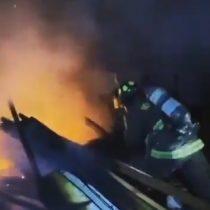 Incendio en el Campamento Dignidad de La Florida dejó un fallecido y siete viviendas quemadas