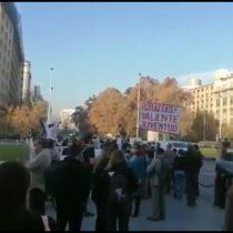 Manifestaciones frente a La Moneda: exigen libertad para presos del estallido social